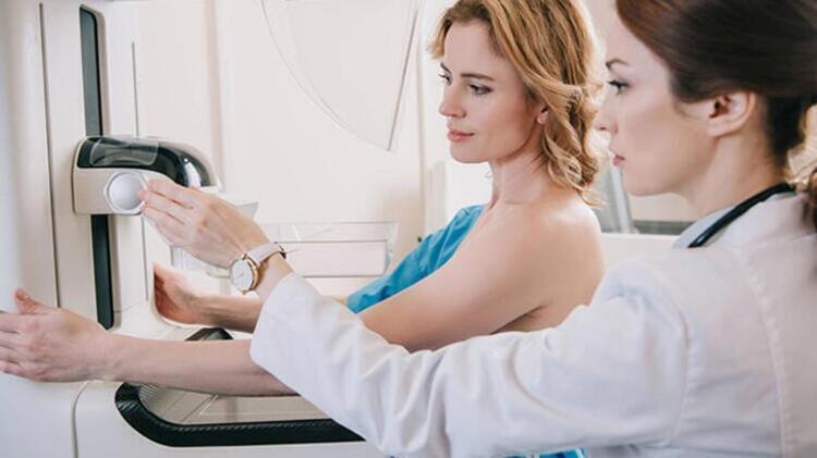 Mamografi çektirmek kanser oluşumunu tetikler mi