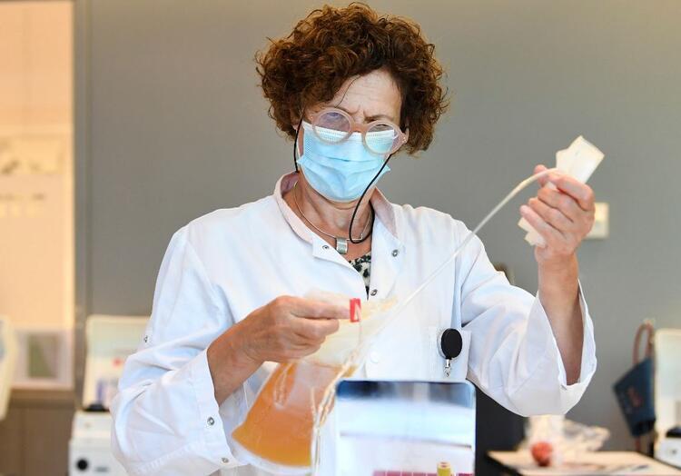 İnsanlar üzerinde denenmeye başlanan ilk potansiyel Kovid-19 aşısı