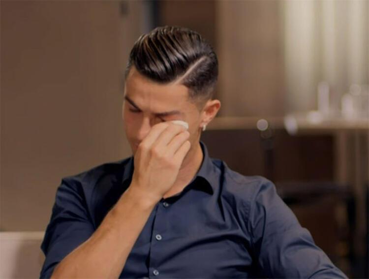 Ronaldo hepsini yemeğe götürdü