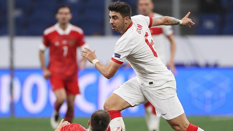 Alışık olmadığımız bir Türk futbolcusu profiline sahip olduğunu söylesek katılır mısın Yalnızca iki ceza sahası arasında tempolu oynama özelliğin sebebiyle değil, patlayıcılığı ve fizik gücüyle de fark yaratan bir oyuncusun. Bu açıdan Türk oyuncularında genelde bulunmayan özelliklere sahip olduğunu düşünüyor musun