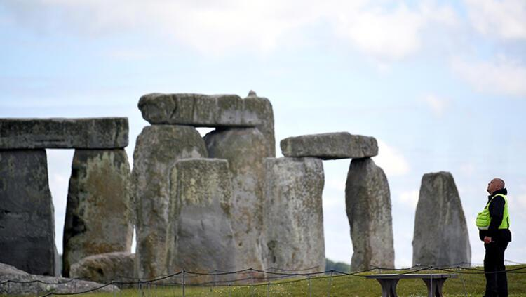 Stonehenge yakınlarındaki neolitik yapı