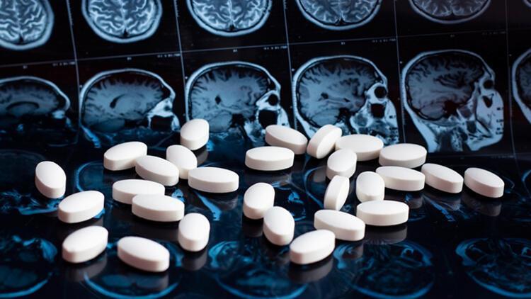 Alzheimer neden olur