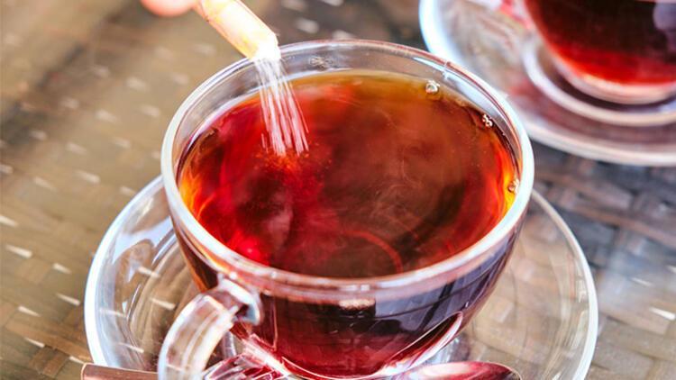 Şekerli çay içmenin zararları çok fazla