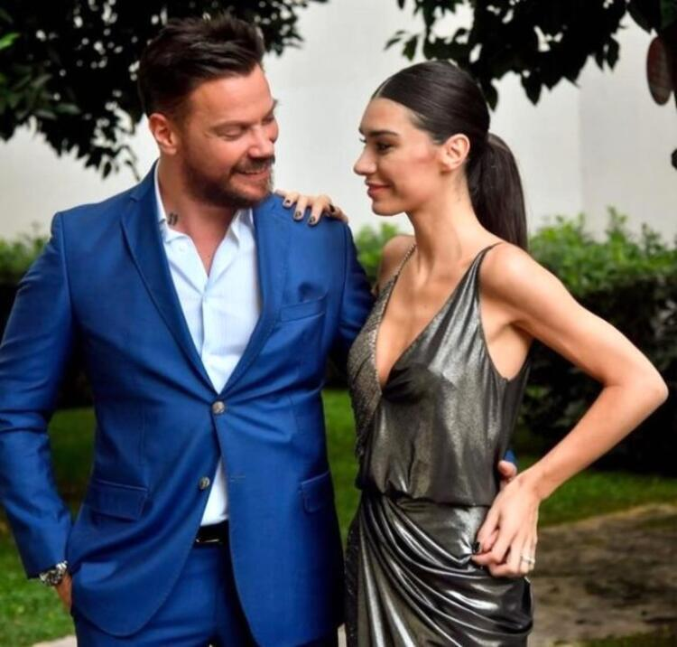 Sabah gazetesinden Bülent Cankurtun, İkinci Kez Evleniyorlar başlıklı yazısı şöyle: