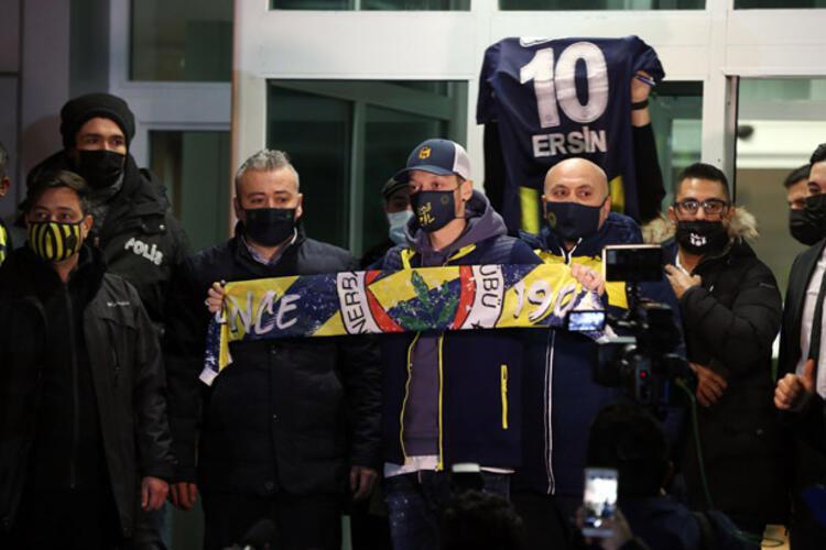 - Mesut Özilin uçağını 1 milyon kişi takip etti. Sizce Mesut Özil transferinin ne gibi katkıları olacak Fenerbahçeye