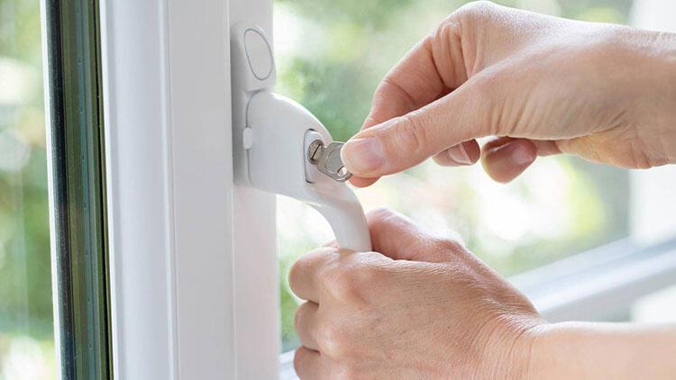 Pencereye güvenlik kilidini ihmal etmeyin