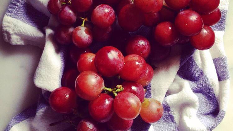 2.Koyu renkli üzümler