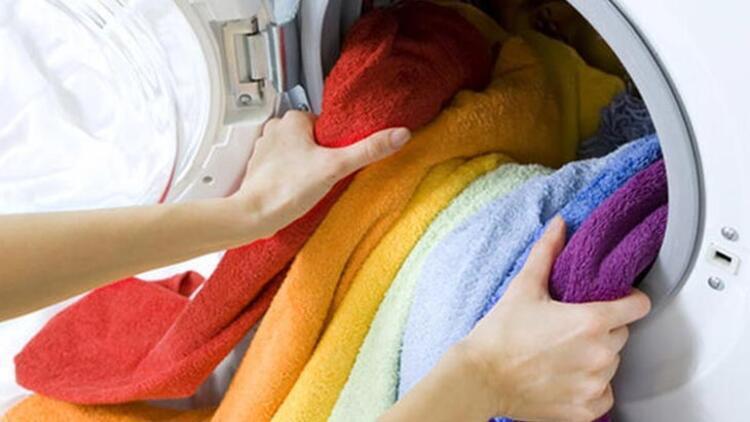 İç çamaşırları ve çorapları torbaya koymuyoruz