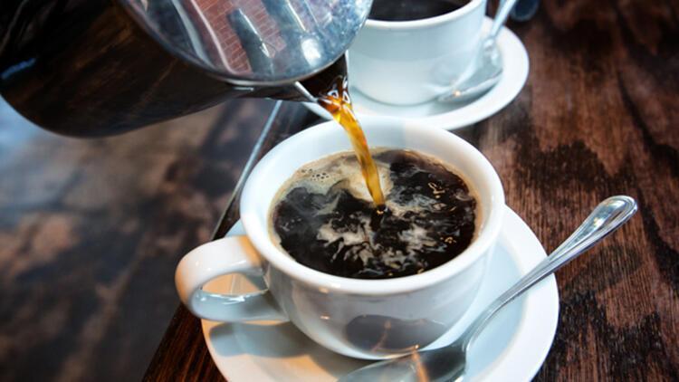 Yanlış: Kahve ve çay tiryakisi olmak