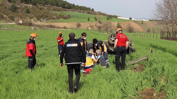 Bolu'da devrilen otomobilin sürücüsü yaralandı 2 – 60896a7755428224c02133ba