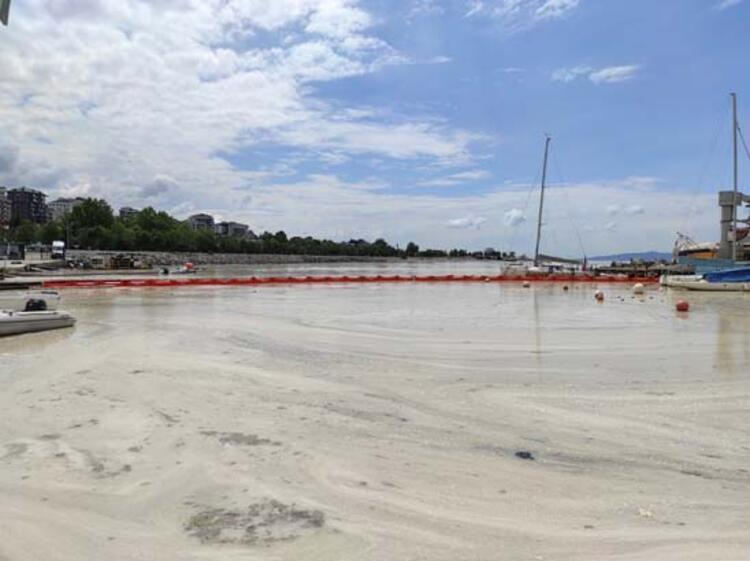 Caddebostan Sahili'nde müsilaj yoğunluğu arttı 11 – 60c8aae555428101f02f49ce