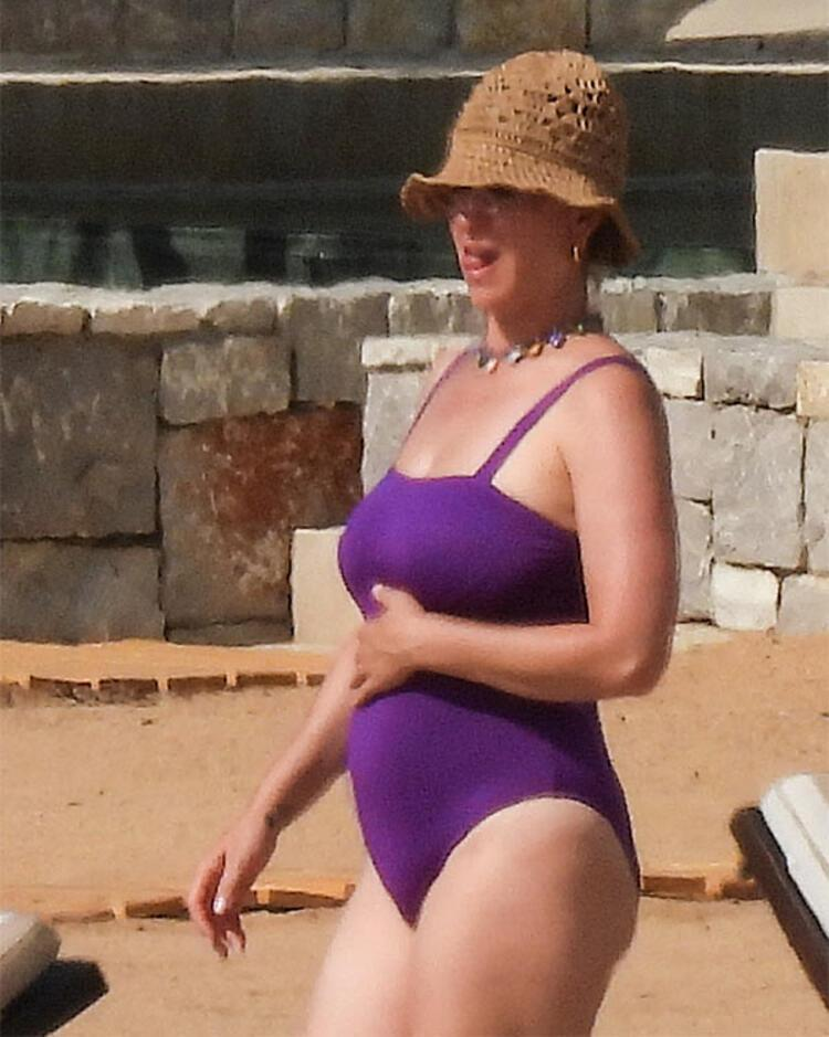 Katy Perry doğum kilolarını henüz vermedi