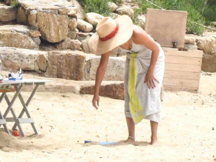 Kate Hudson'un çocuk peşinde Yunanistan tatili