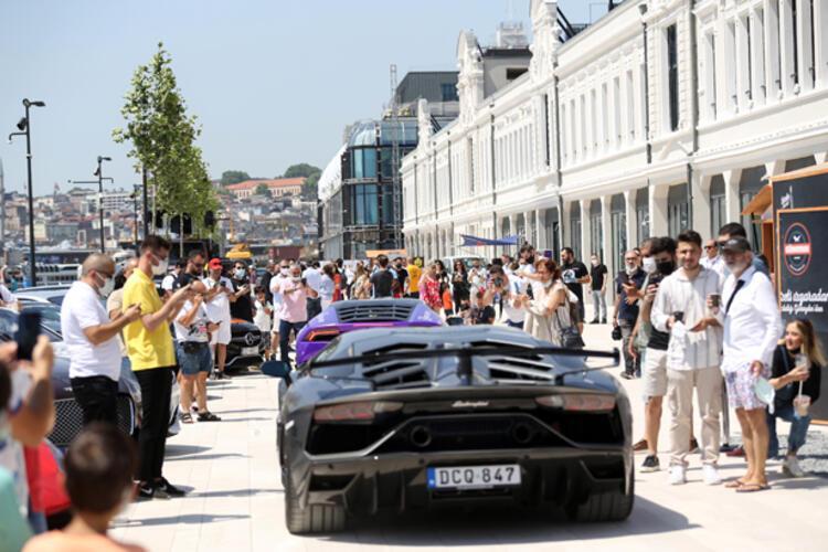 200 yıl sonra erişime açıldı! İstanbul'da 'süper otomobiller' sergilendi