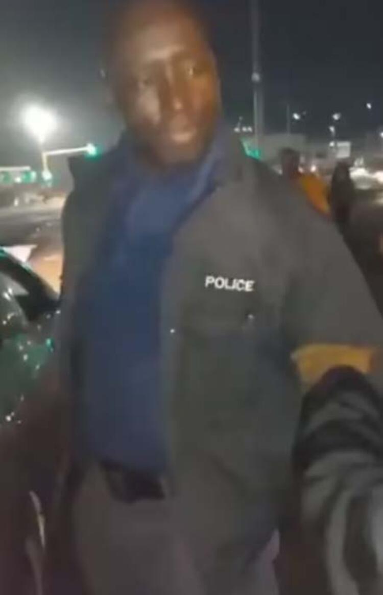 POLİSLER DE YAĞMAYA BAŞLADI