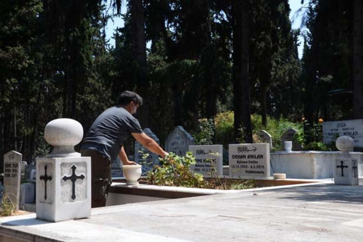 Bu mezarlık diğerlerinden çok farklı 3 – 60f9251986b2472b1cf2e7df