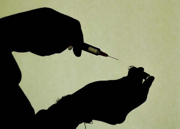 Gençler bir an evvel iki doz aşılarını olmalı
