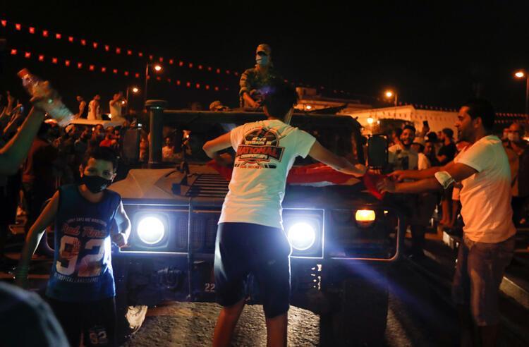 SON DAKİKA: Tunus'ta askerler meclisi kapattı! Türkiye'den darbeyi kınayan açıklamalar... - Son Dakika Haberler Milliyet