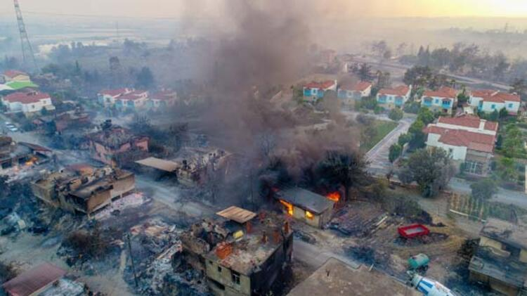 Son dakika... Manavgat'ta 4 noktada orman yangını! Evler boşatıldı - Son  Dakika Haberleri Milliyet