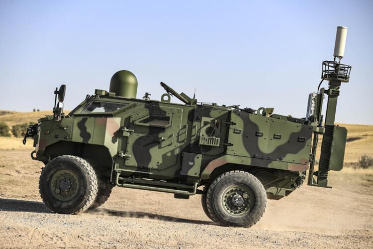 - Mobil güvenli ortamda teknolojiyle donatılmış asker