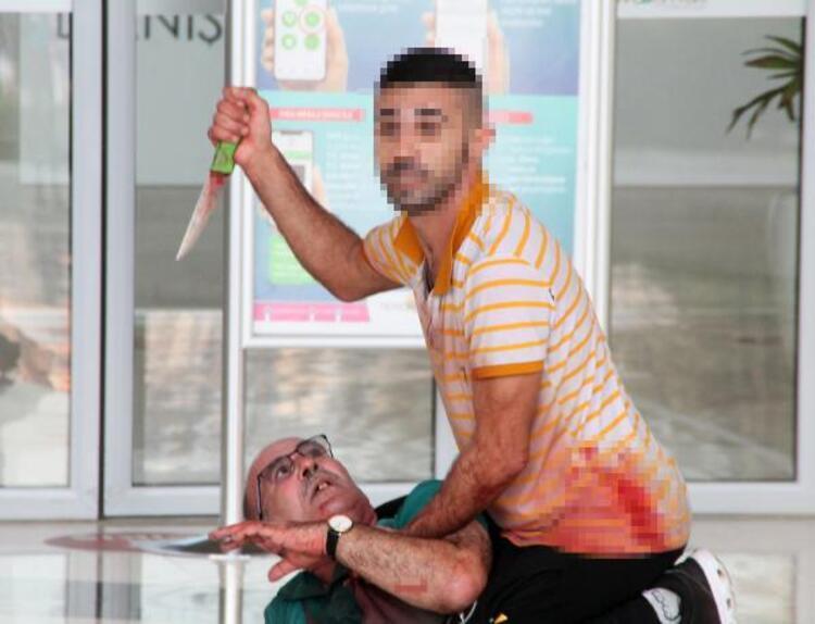 Antalyada dehşet anları Boğazına bıçak dayadığı ustasını, 5 saat rehin aldı