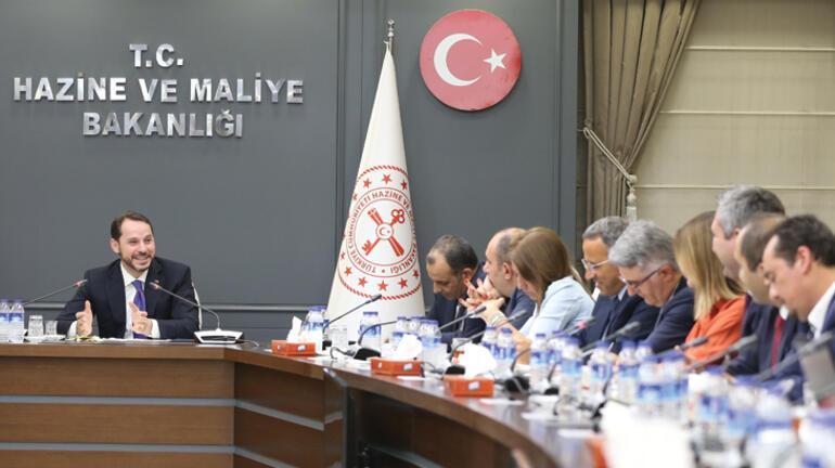 Faizde düşüş sürecek, 'Türkiye'ye güvenen' kazanacak