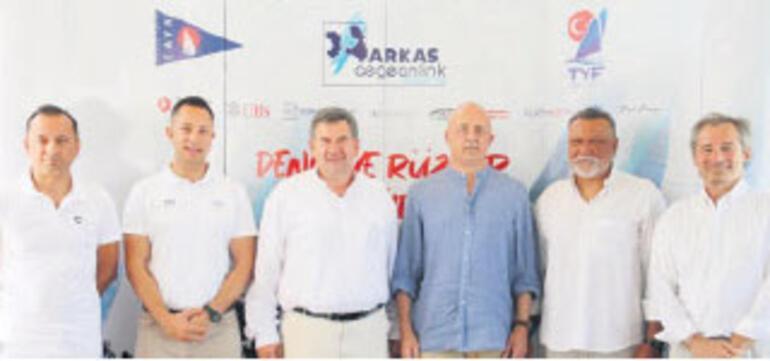 Çesme'de yelkenciler 'Zafer Kupası' için yarışacak