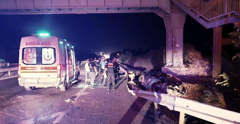 Bariyerlere çarptı, metrelerce sürüklendi 1 ölü 2 yaralı