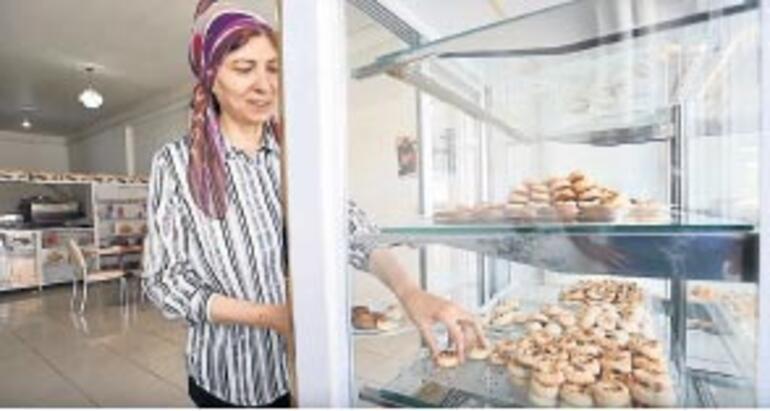 Pasta, börek yaparak iki doktor yetiştirdi