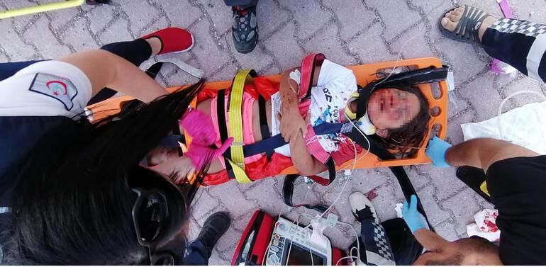 Ambulans helikopter, yaralı Berre için karayoluna indi