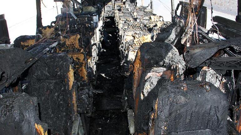 30 yolcusu ile birlikte seyir halindeyken yandı