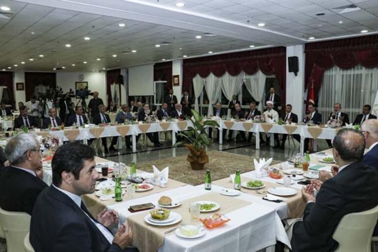 Cumhurbaşkanı Yardımcısı Oktay: En onurlu duruş