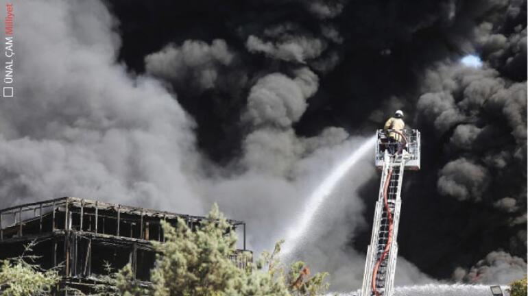 Kimya fabrikasında 5 saatlik yangın