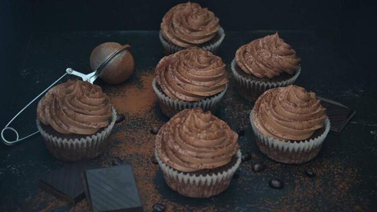 Kahvenin kokusunu sofranıza taşıyacak 5 kahveli tatlı tarifi