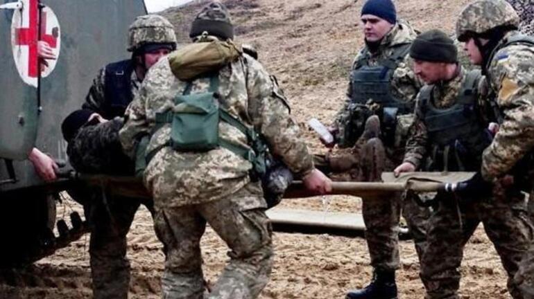 Ukraynada cephanelikte patlama Ölü ve yaralılar var