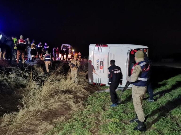 Son dakika | Erzincanda otobüsle araç çarpıştı: Çok sayıda yaralı var