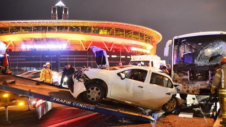 Son dakika haberi... TEMde zincirleme kaza Yaralılar var