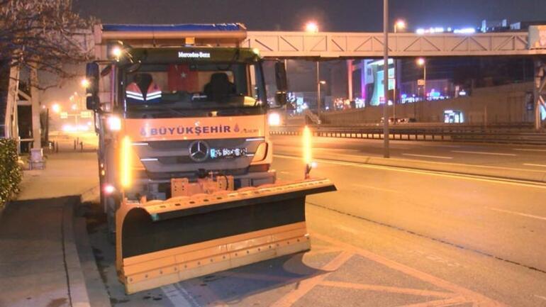 İstanbulda kar nöbeti Tetikte bekleniyor