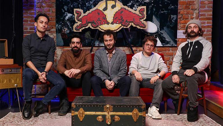 Yüzyüzeyken Konuşuruzun Red Bull Müzik Stüdyoları macerası yayında
