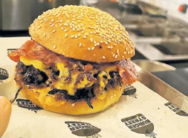 Bir hamburger deyip geçmemek lazım