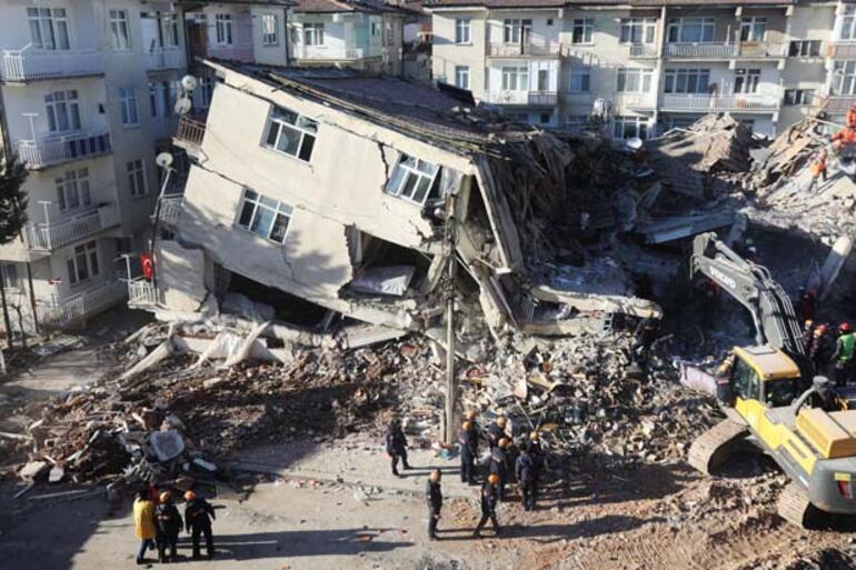 6,8 büyüklüğündeki Elazığ depreminde son bilgiler