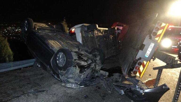 Feci kaza Çekici devrildi: 2 kişi hayatını kaybetti
