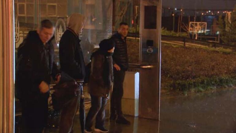 İstanbullular güne yağmurla başladı