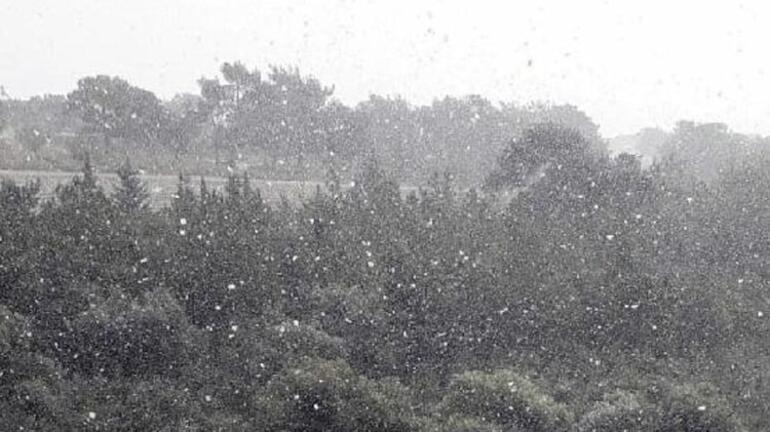 5 yıl sonra Mersin'e kar yağdı