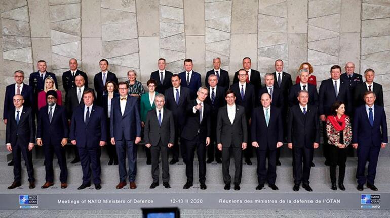 Milli Savunma Bakanı Hulusi Akar, NATO Karargahında