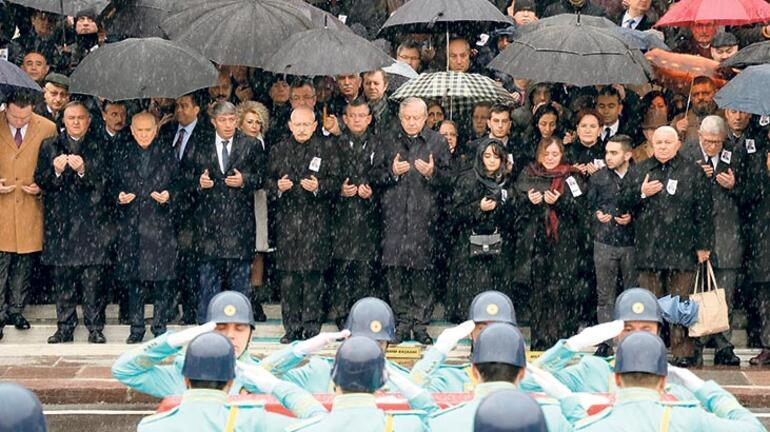 Türkoğlu'nun cenaze töreni  liderleri buluşturdu