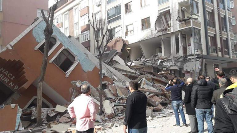 Son dakika... İstanbulda bina çöktü Ekipler bölgeye sevk edildi...