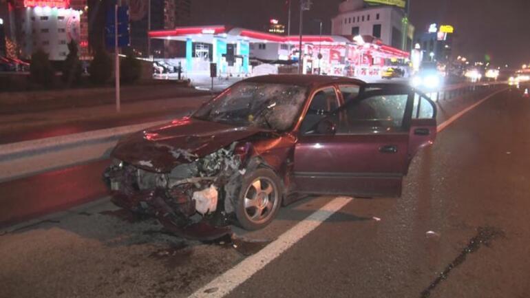 Otomobil taksiye çarptı: 2 yaralı