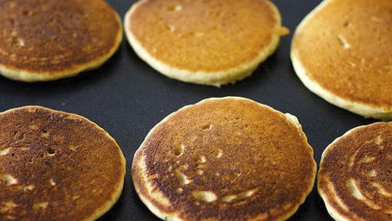 Kolay pankek tarifi - Kahvaltılık kolay pankek nasıl yapılır