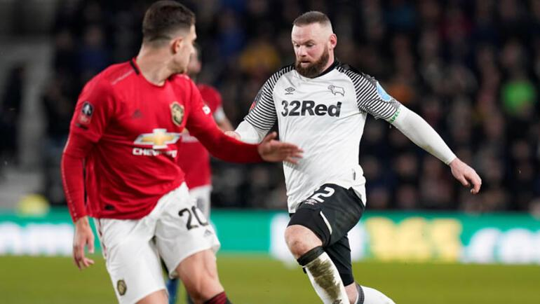 FA Kupasında son çeyrek finalist Manchester United oldu